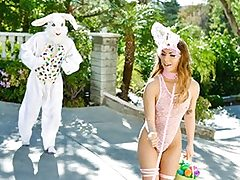 Mini Easter Bunny Stunner Gets Wedged